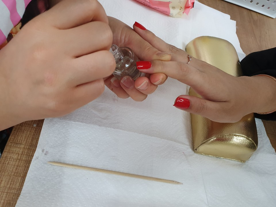 네일아트국가'손톱관리,컬러링'수업